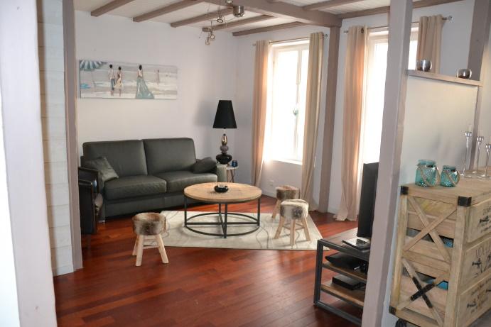 Dans le centre de L'EPINE, maison de charme d'environ 140 m²