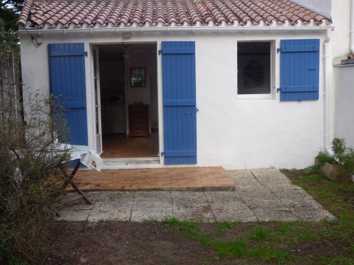 L'EPINE – A environ 50 m de la plage, maison 1 chambre avec jardinet clos